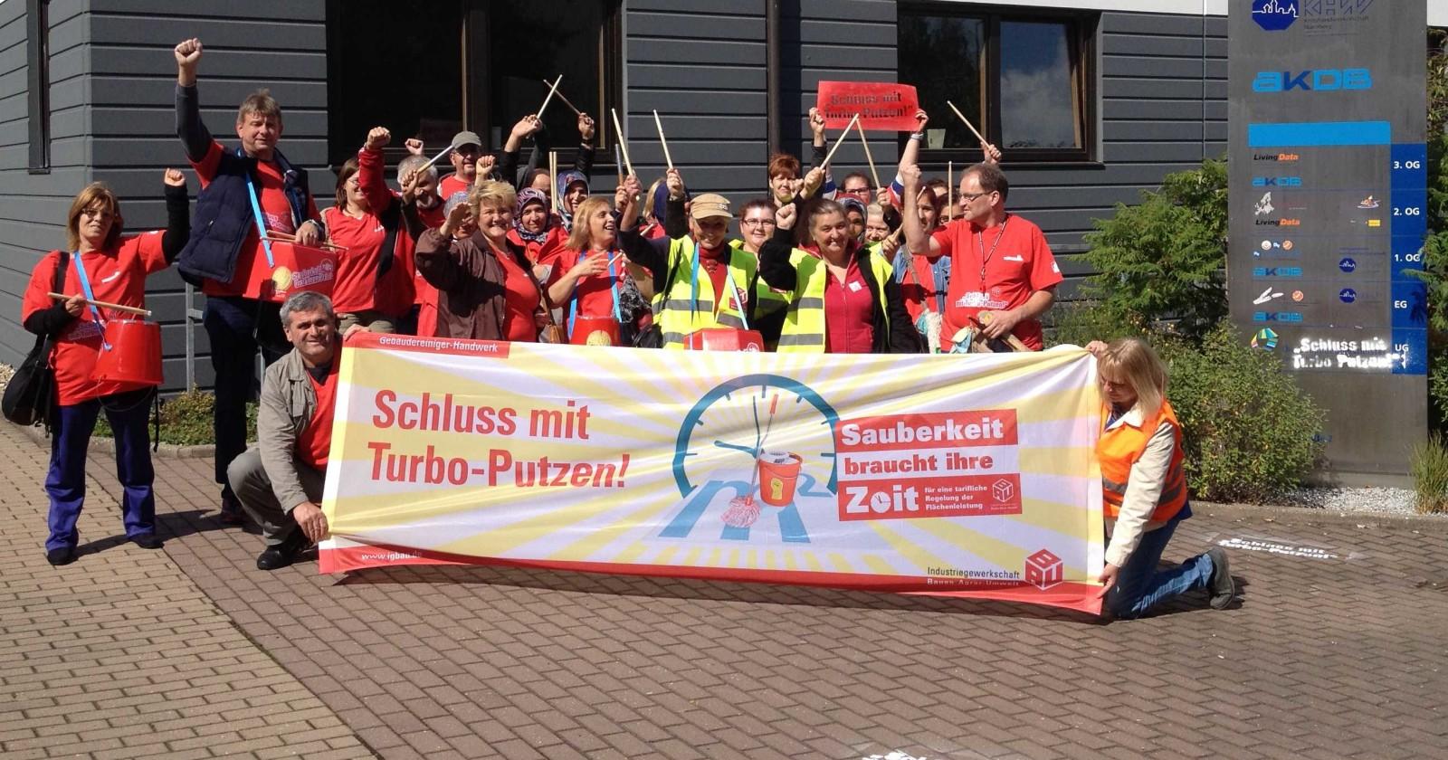 Auch KollegInnen in Nürnberg standen gestern vor verschlossener Tür der Gebäudereiniger-Innung