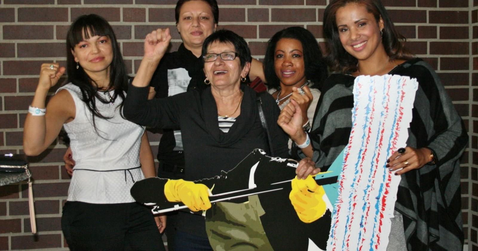 Überraschung zum 90-jährigen Firmenjubiläum. Kolleginnen von Gegenbauer fordern richtiges Angebot von Arbeitgebern