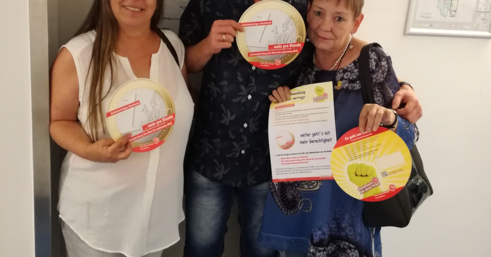 """Unterstützung vom IG BAU Stadtverband Bochum: """"Die Kolleginnen und Kollegen aus der Gebäudereinigung leisten klasse Arbeit!"""""""