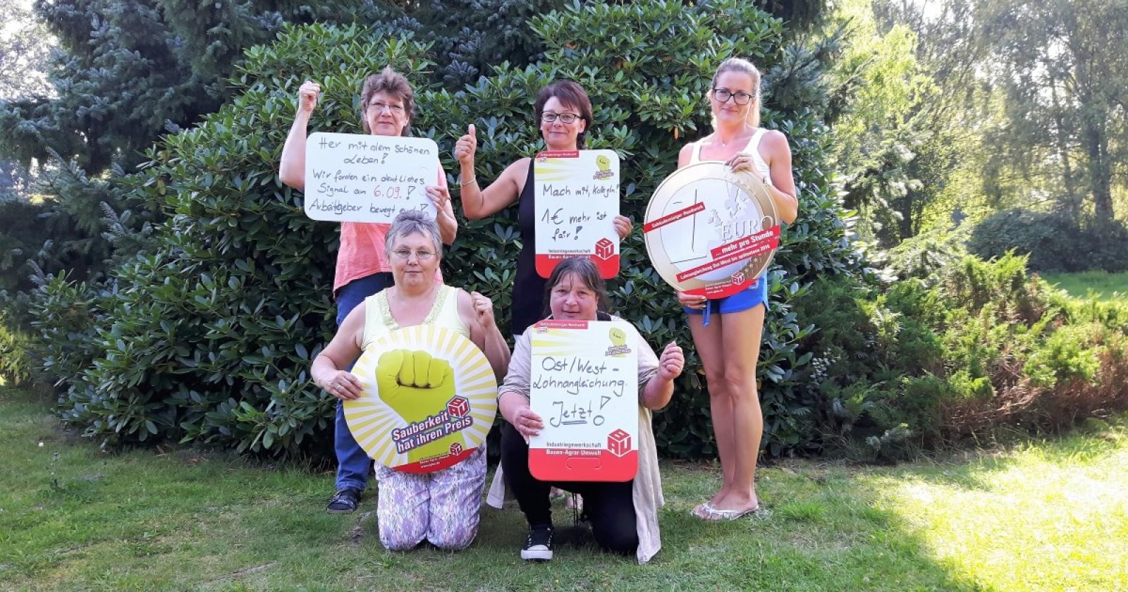 """Kolleginnen von Saxonia in Suderburg: """"Lohnangleichung längst überfällig -  Arbeitgeber bewegt euch!"""""""