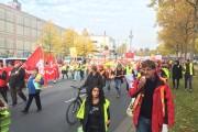 +++ Frankfurt live 12:40 Uhr - Senkenberganlage ist dicht! +++