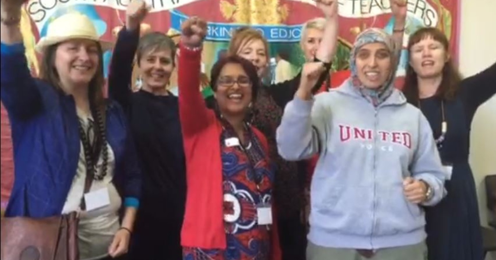 Solidarität von Down Under - Australische Kolleginnen & Kollegen an unsere Seite.