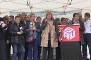 Kundgebung der Gebäudereiniger/-innen in Frankfurt: Arbeitgeber wollen verbessertes Angebot vorlegen.