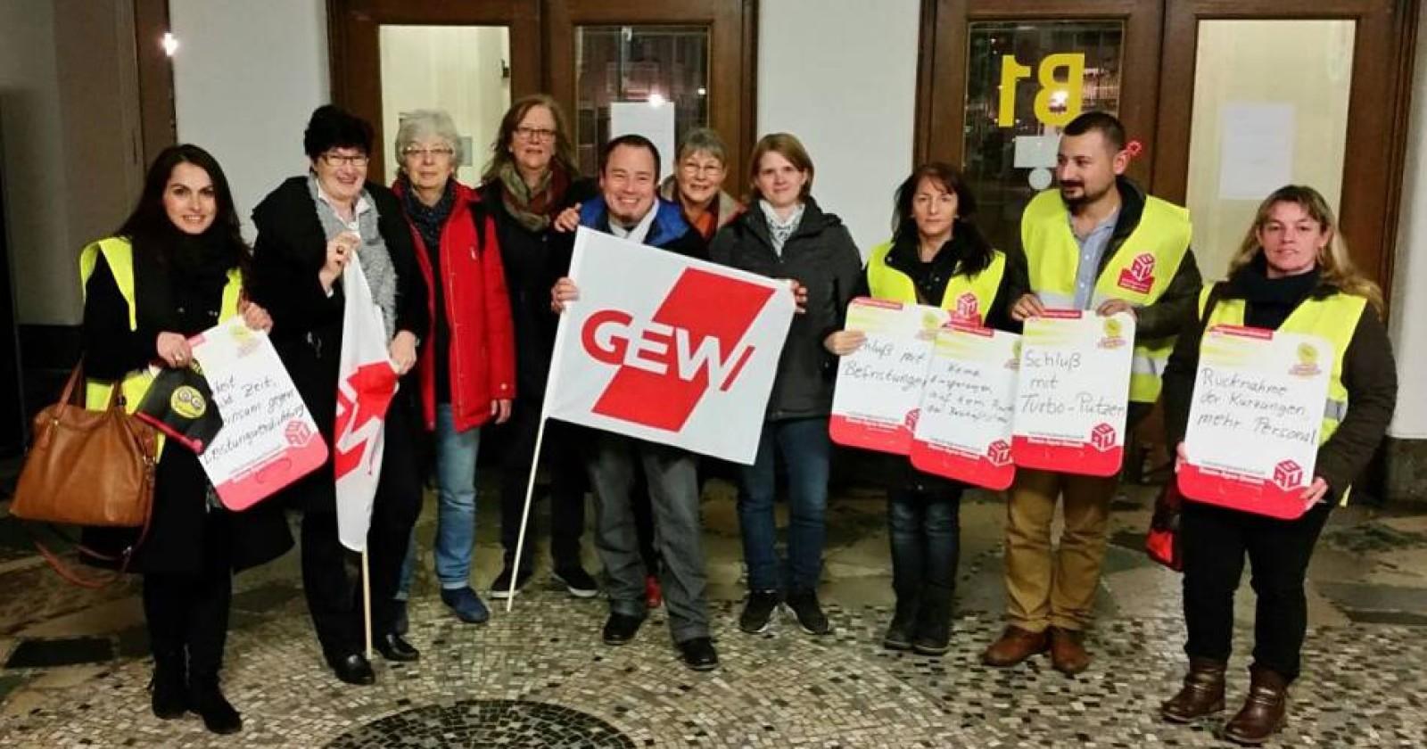 RP Online: Aufstand der Putzfrauen im Krefelder Rathaus