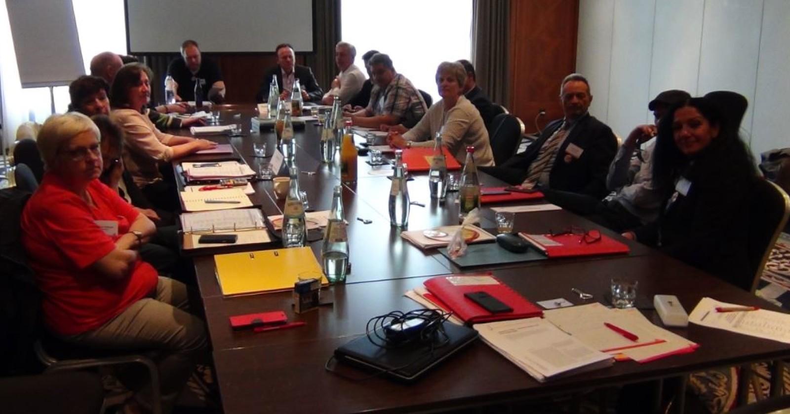 +++ Liveticker Leipzig +++ Verhandlungen unterbrochen - Arbeitgeber beraten unsere Forderungen