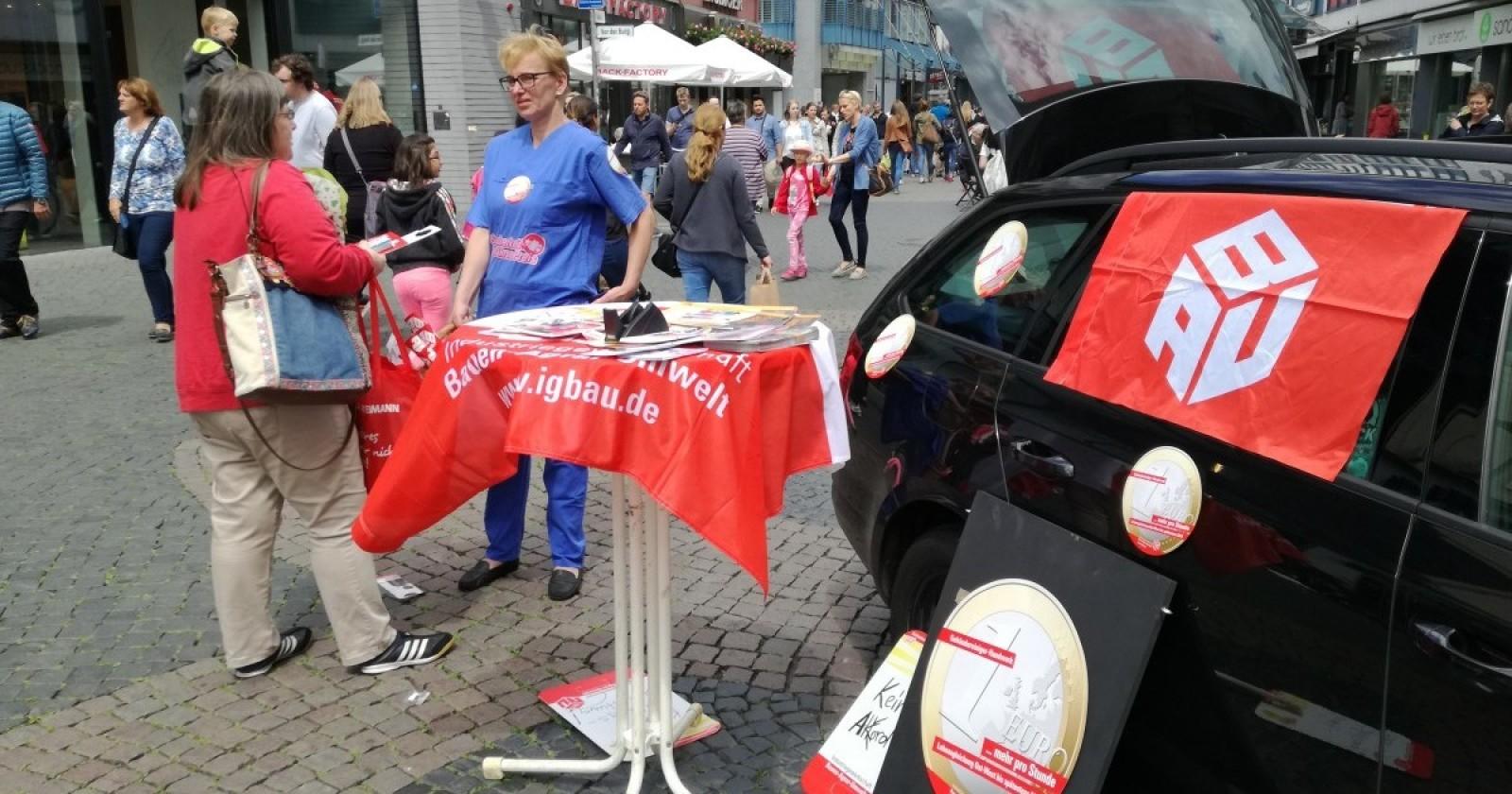 ERSTE HILFE – Aktion der Gebäudereiniger in der Braunschweiger Innenstadt