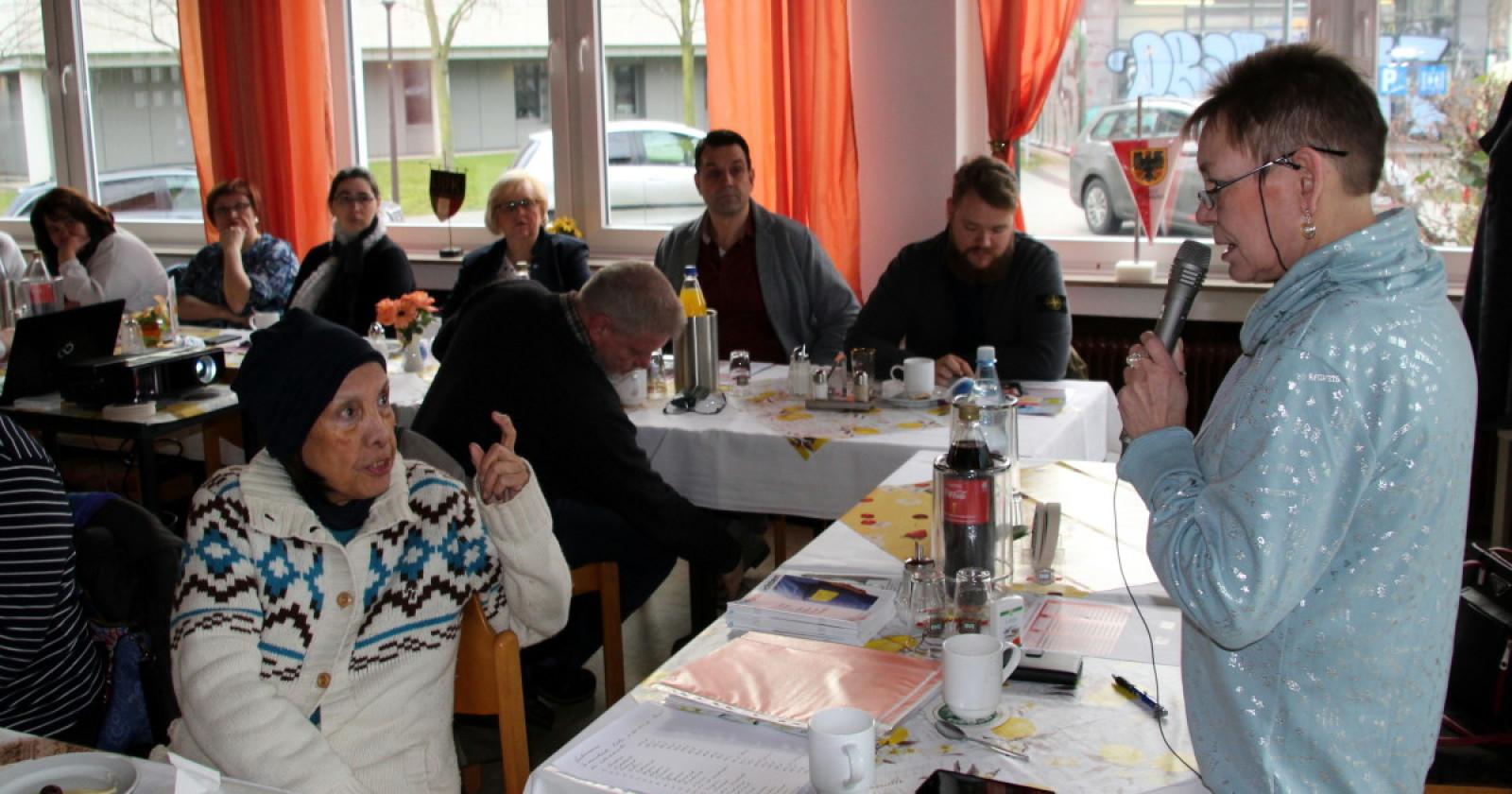 KollegInnen aus Rheinland und Westfalen bereiten sich auf Bundesfachgruppenkonferenz des Gebäudereiniger – Handwerks vor.