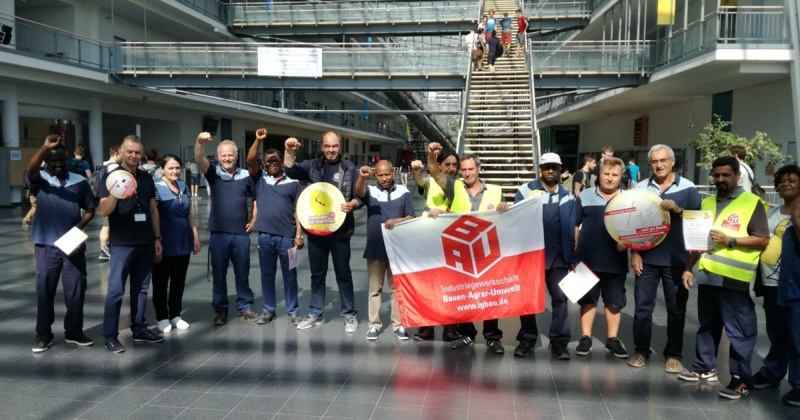 Aktion der Kolleginnen & Kollegen von ISS an der TU München in Garching