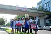 Beschäftigten der Firma Elite Facility Services in München reimen für Tarifrunde