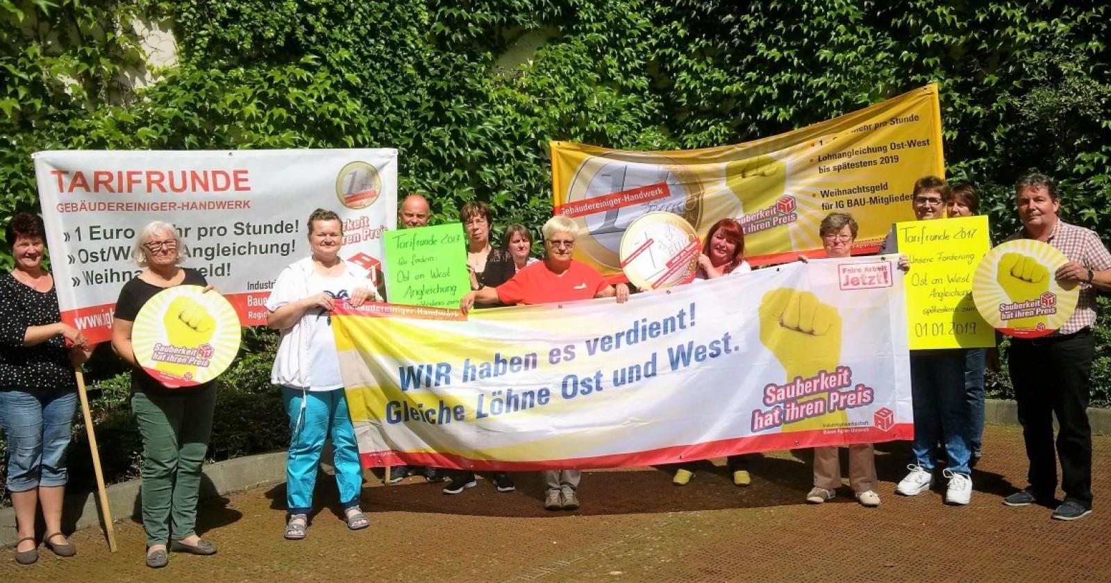 """KollegInnen der Gebäudereinigung aus Ostdeutschland: """"Wenn es darauf ankommt, halten wir zusammen"""""""