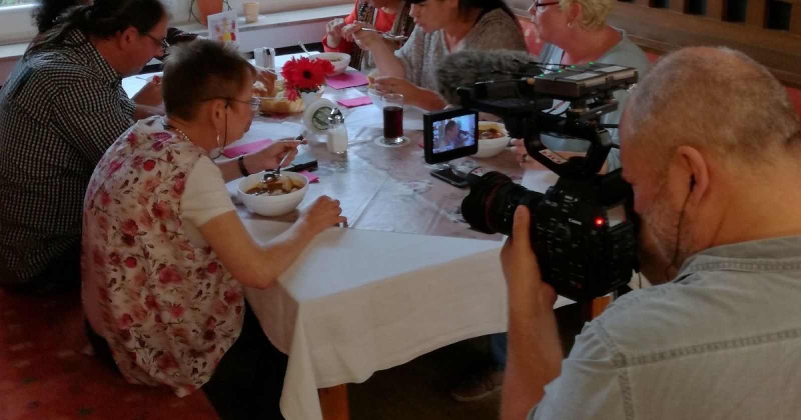 """Dänisches Fernsehen berichtet über unsere Kollegin Petra Vogel und die Folgen des sogenannten """"deutschen Jobwunders"""""""