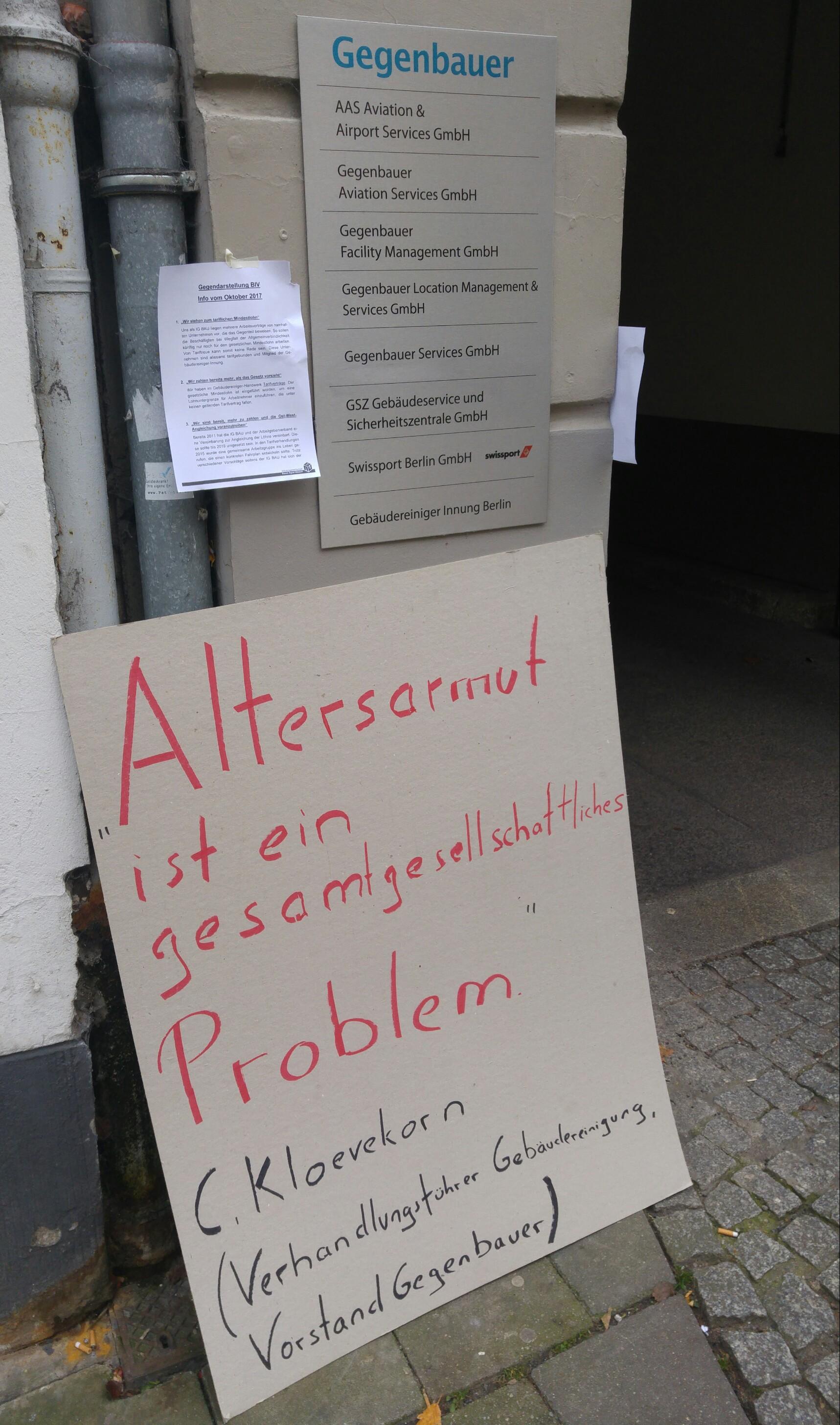 Aktion Vor Gebäudereiniger Innung In Berlin Kolleginnen Und