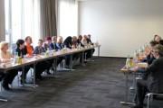 Tarifticker: Arbeitgeber lehnen Diskussion zum Thema Weihnachtsgeld weiterhin ab