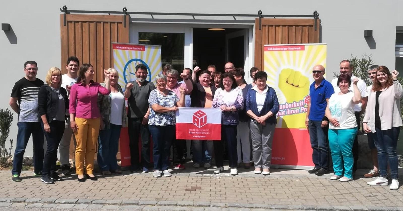 """Betriebsräte aus Bayern und Franken: """"Forderungen der IG BAU wichtig für Gebäudereinigungsbranche"""""""