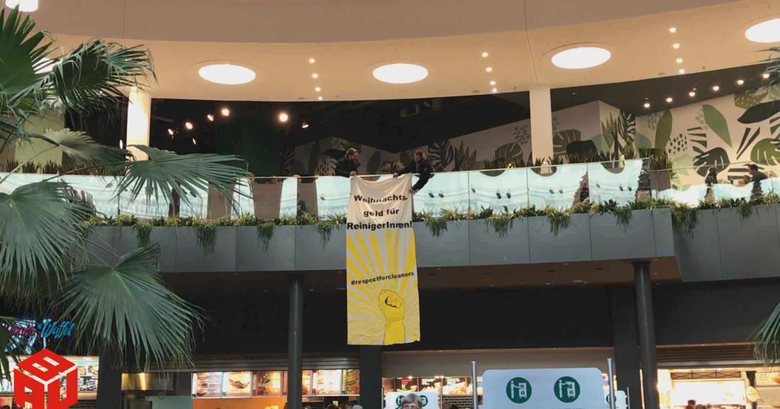 Flashmob und Info-Aktionen im Centro und am Flughafen Köln-Bonn. Dann wenden wir uns doch einmal an die Kunden...