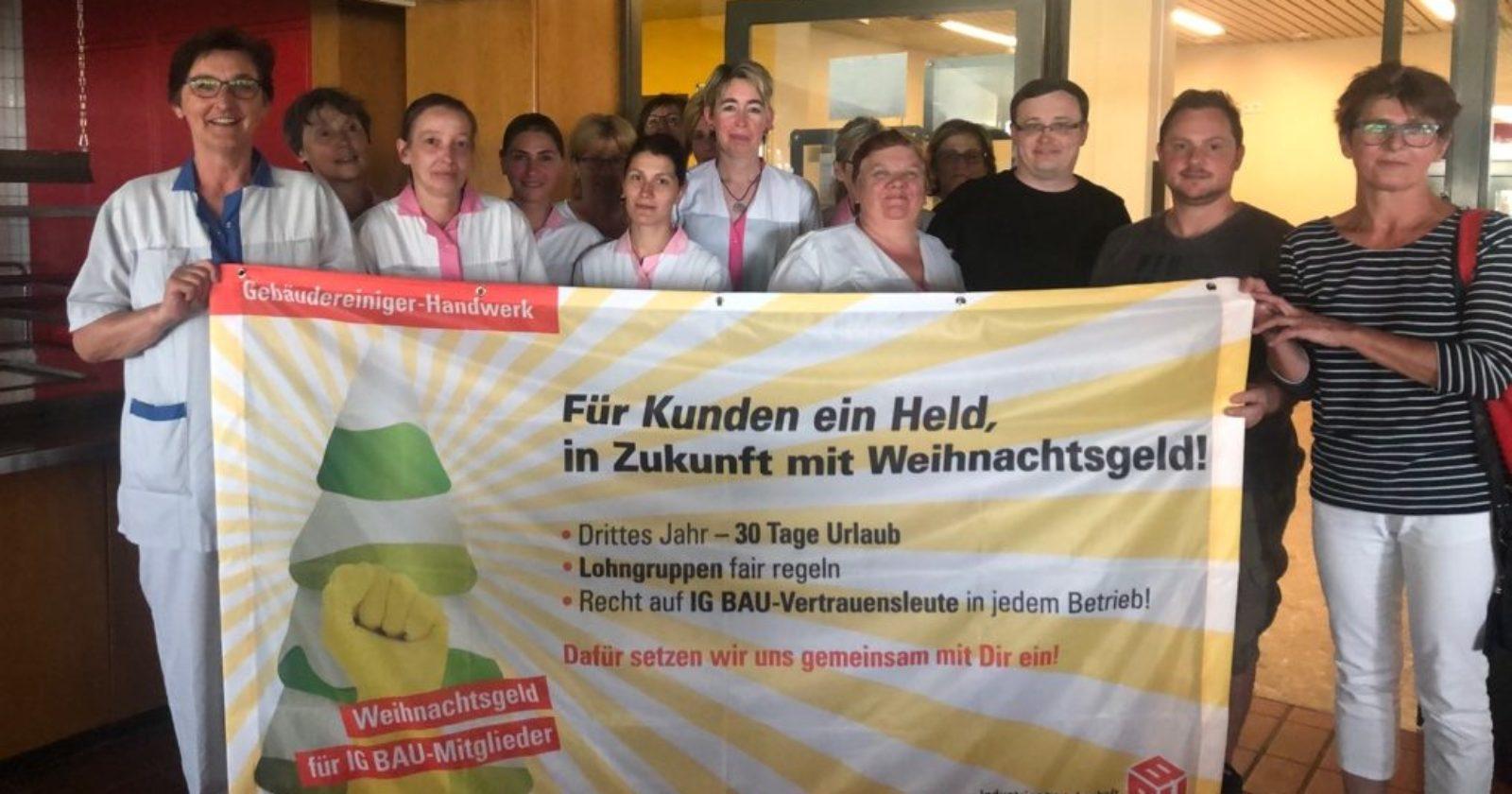"""Beschäftigte der DonauIsar Klinik Service GmbH in Deggendorf: """"Weihnachtsgeld wollen wir!"""""""