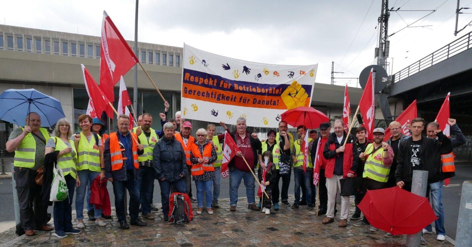 Riesenaufregung vor dem Bundesinnenministerium in Berlin – Demonstranten fordern Rücknahme von Versetzung