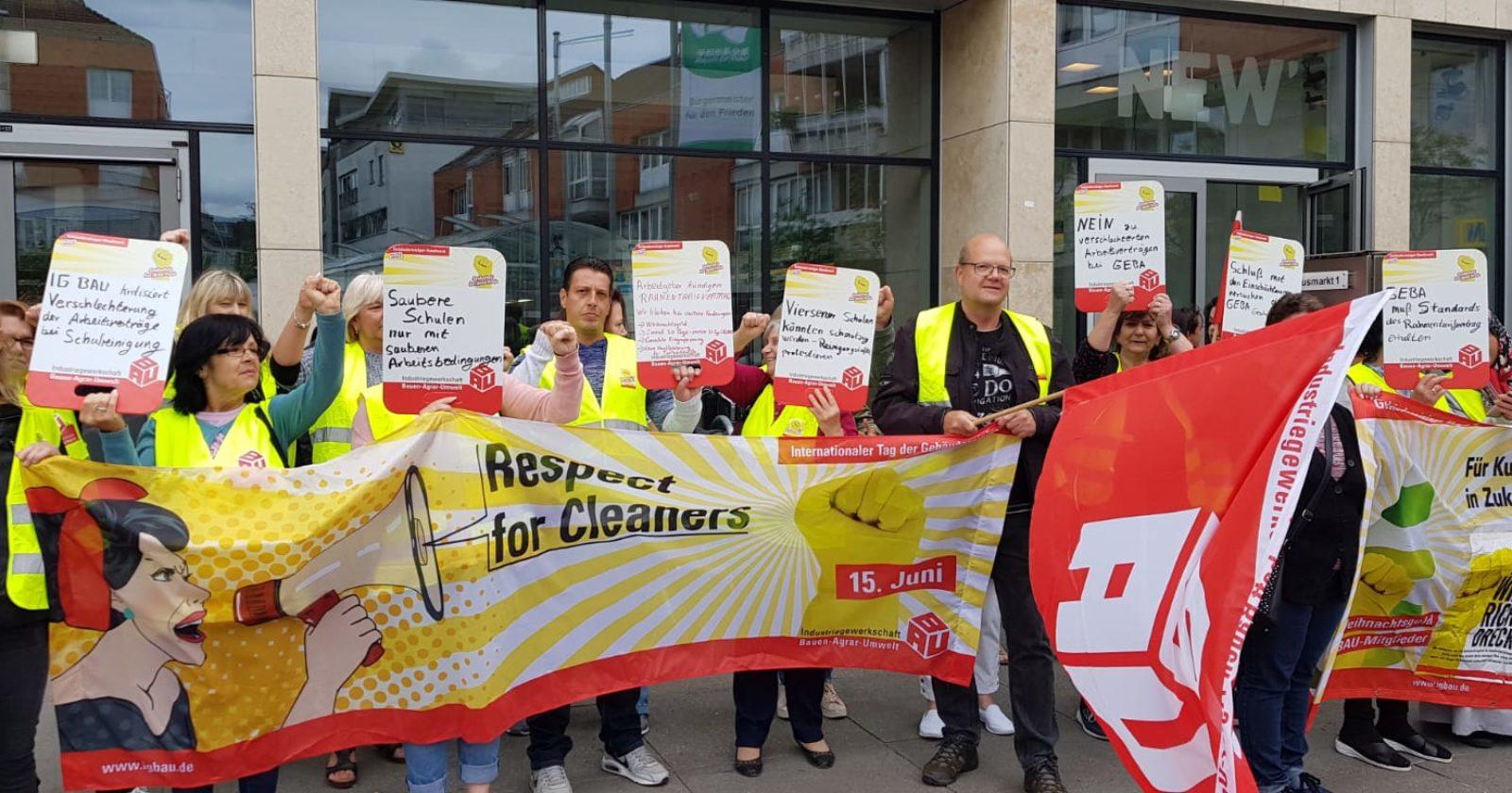 Verschlechterung durch neue Arbeitsverträge? - Nicht mit uns! Beschäftigte von GEBA wehren sich gegen Änderungsverträge