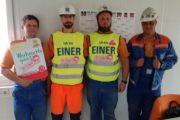 """Kollegen auf der Mischanlage der Basalt AG in Ölberg (Hessen): """"Solidarität ist unsere Waffe. Wir unterstützen die KollegInnen in der Gebäudereinigung"""""""