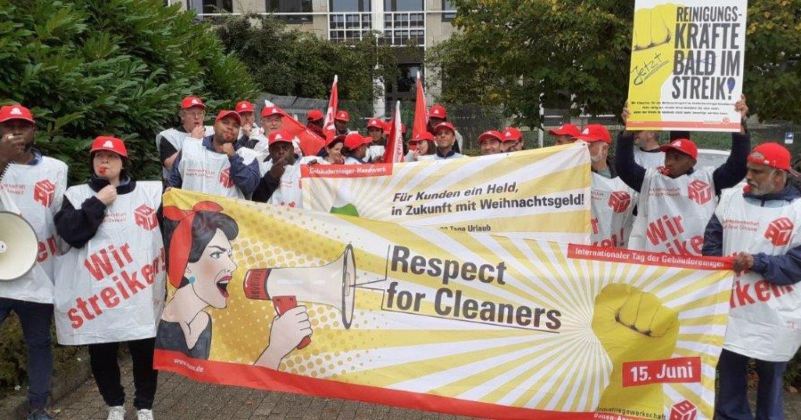 Beschäftigte von ISS Automotive streikten am Daimler Werk in Stuttgart