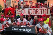 Kolleginnen von WISAG und Weisbender streiken in Beverungen – Kunde und Gäste solidarisch