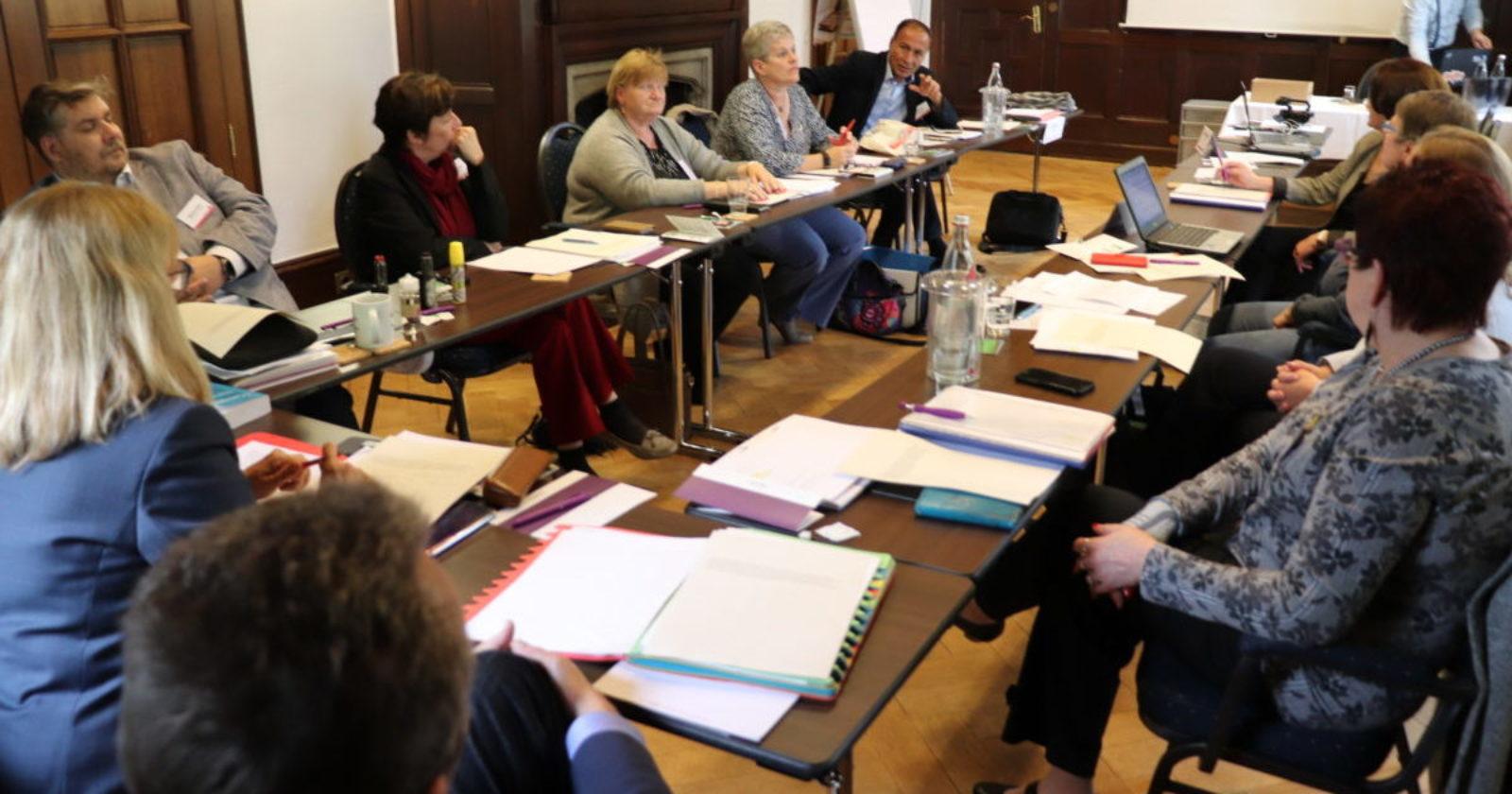 +++ Tarif-Ticker +++ IG BAU Tarifkommission berät sich in Verhandlungspause +++