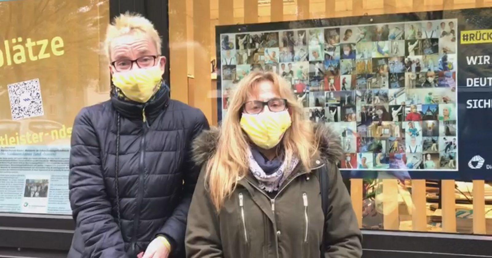 """Angela und Carola haben eine Botschaft an die Arbeitgeber in Niedersachsen: """"Ohne uns, steht ihr im Regen!"""""""