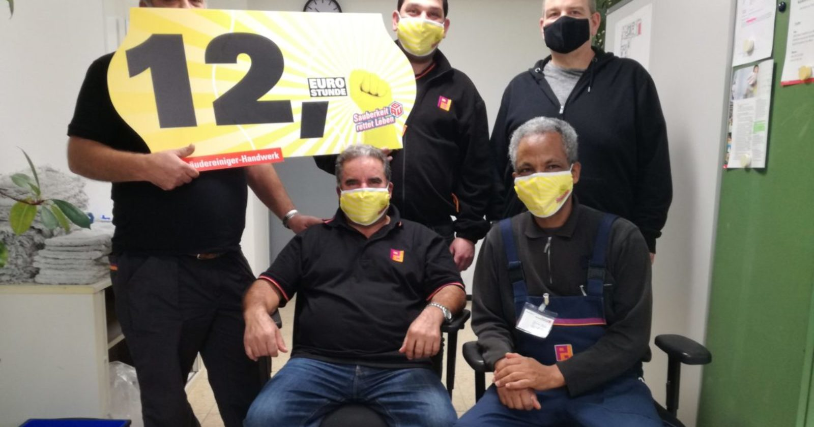 Reinigungskräfte von Piepenbrock beim Hessischen Rundfunk Frankfurt fordern 12 Euro Stundenlohn