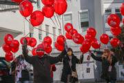 99 Luftballons für 12 Euro. GebäudereinigerInnen aus dem Rheinland unterstützen IG BAU Tarifkommission