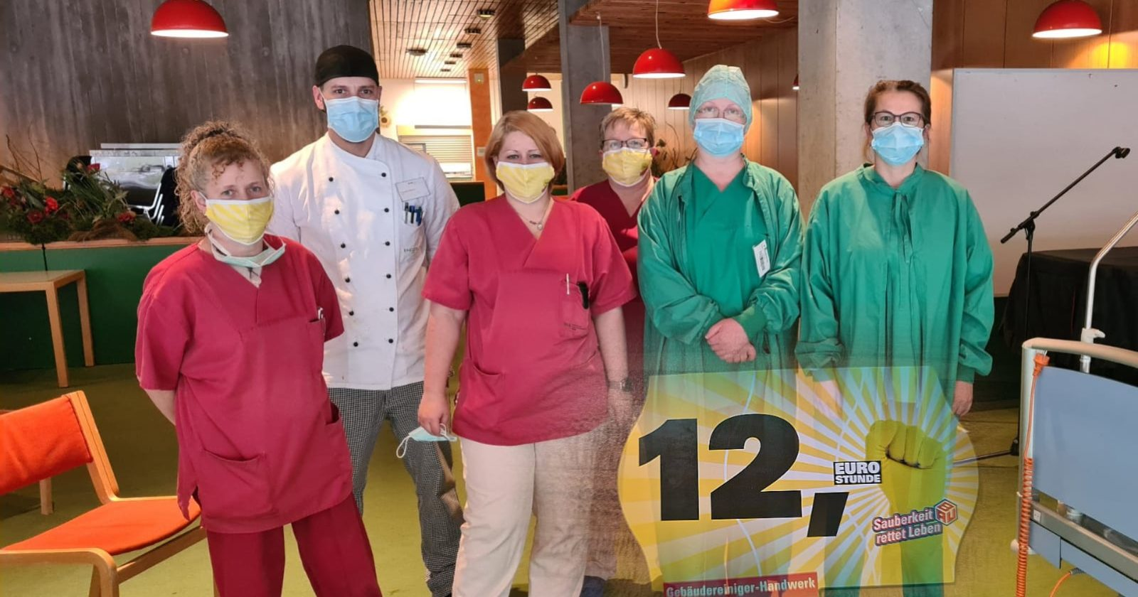 Sauberkeit rettet Leben! Deshalb unterstützen Beschäftigte des Klinikums Freudenstadt Reinigungskräfte