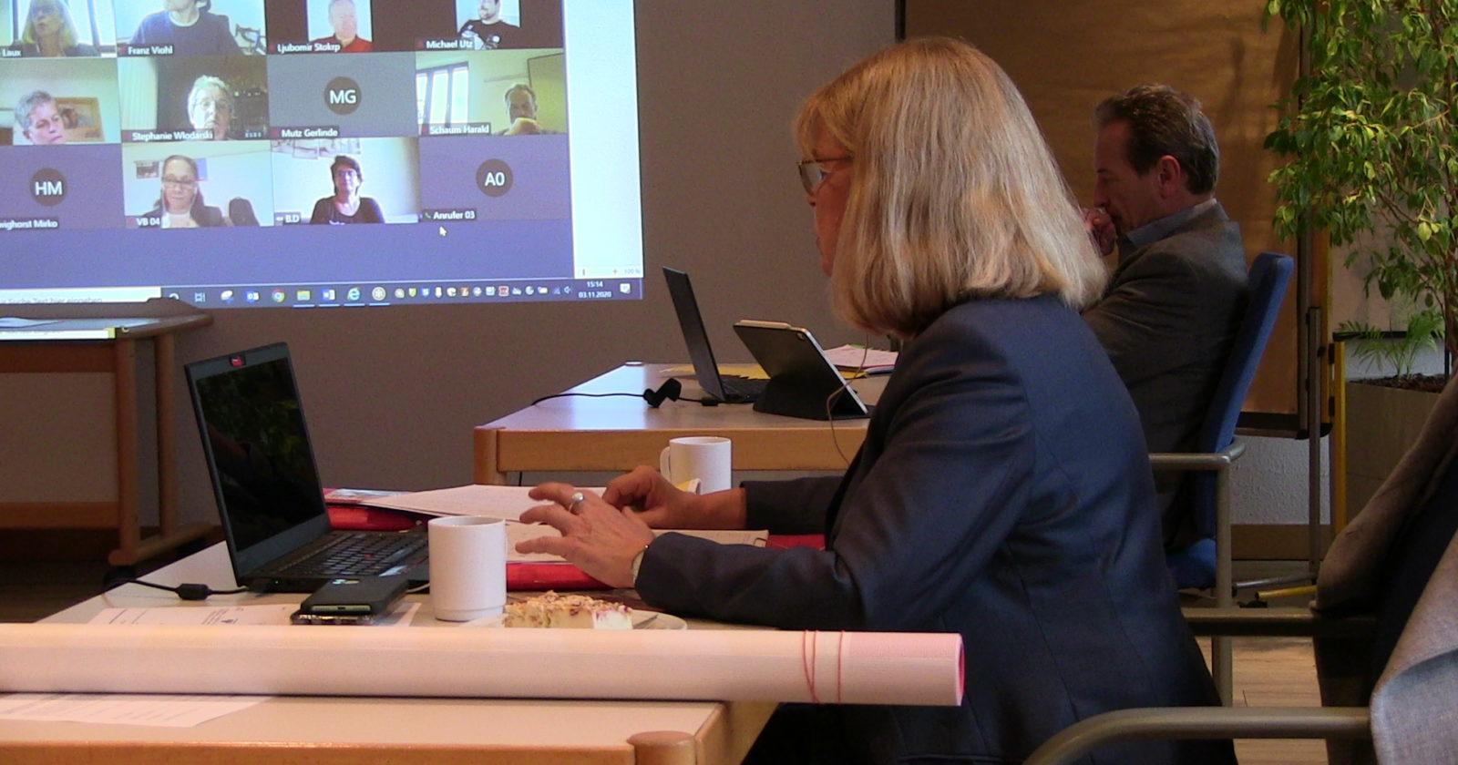+++ Tarif-Ticker aus Steinbach +++ Tarifverhandlung unterbrochen – IG BAU Tarifkommission berät sich per Videokonferenz +++
