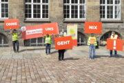 """Aktion vor dem Chemnitzer Rathaus: """"Ohne uns geht nix!"""""""