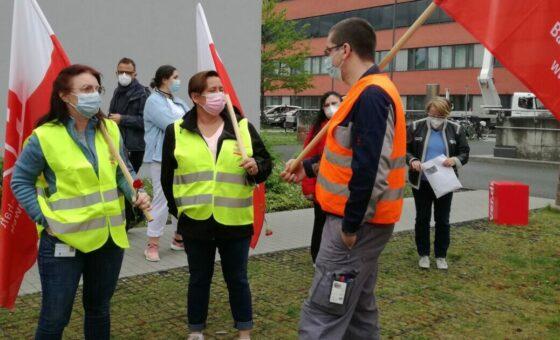Gemeinsame Protestaktion von IGBAU und ver.di am Sana Klinikum in Offenbach zum Tag der Pflege